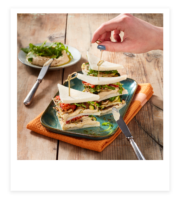 Tramezzini-Sandwich mit buntem Grillgemüse